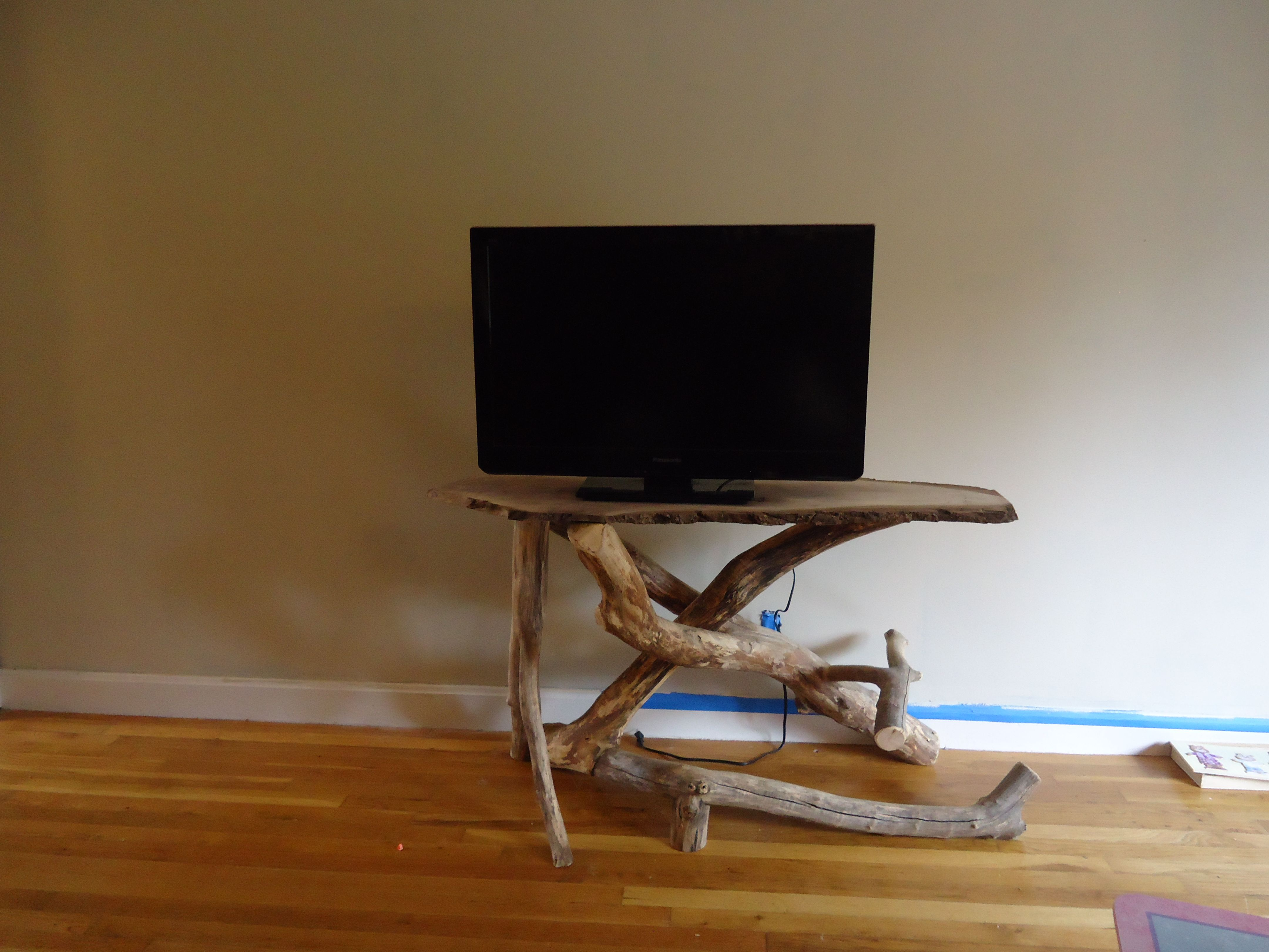 Driftwood coffee table and matching tv stand creation for Matching tv stand and coffee table